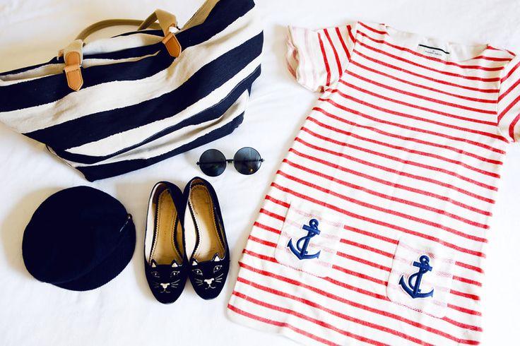 Nautical stripes are always so nice.