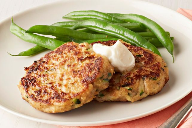 Our Zucchini-Salmon Cakes are perfect for when you have just 30 minutes to make something delicious for dinner.  These fish cakes use pantry ingredients and (surprise!) fresh zucchini.