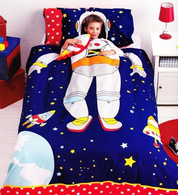 Spaceman Quilt Cover Set available in single and double bed sizes featuring an astronaut from Kids Bedding Dreams. Ideal for a boy's bedroom or anyone that loves space, rockets and astronomy.