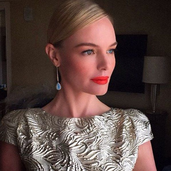 Pin for Later: Kate Bosworth's Red-Carpet Style Is Golden —and This Dress Is Proof  Kate's elegant drop earrings from Susan Foster matched perfectly to her dress —and her blue eyes.