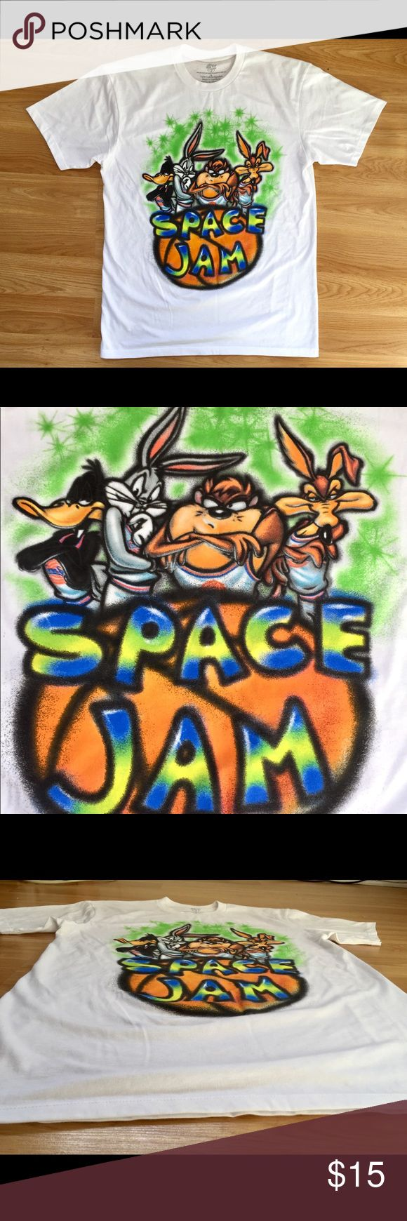 Looney Tunes Space Jam Airbrush style t-shirt Pre owned. Good condition Vintage style tee. Would style great with space jam Jordan 11's. Looney Tunes Shirts Tees - Short Sleeve