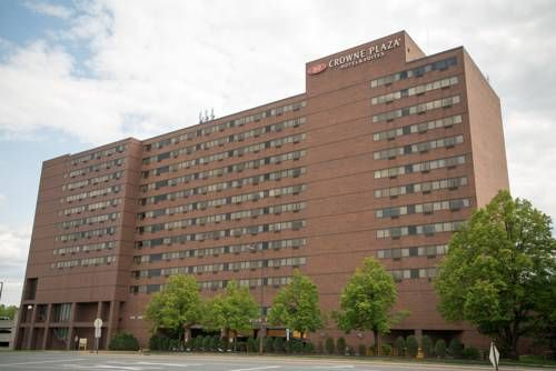 Crowne Plaza Suites : MSP Airport - Mall of America (3 Appletree Square) Mall of America is only one mile from this hotel in Bloomington, Minnesota. The property features free airport and local shuttles within a 2-mile radius and rooms with free Wi-Fi. #bestworldhotels #hotel #hotels #travel #us #minnesota