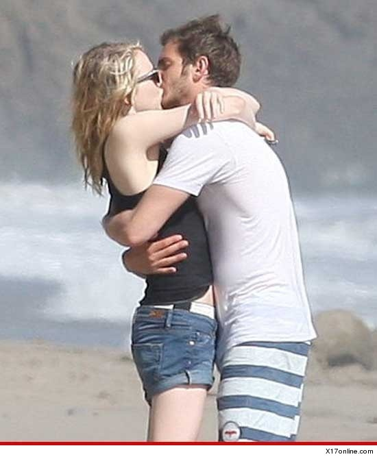 Emma Stone & Andrew Garfield -- Proving Spider-Man Sucks!