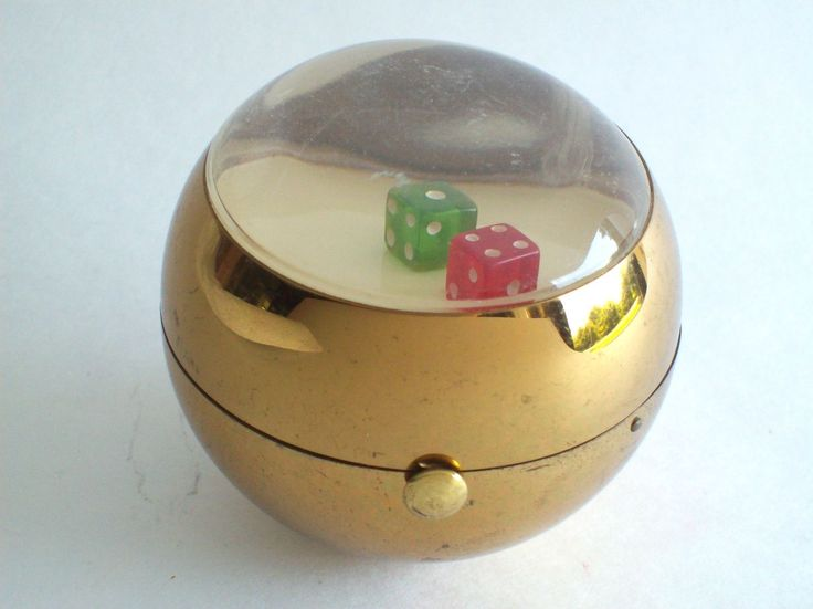 Vintage NOVELTY Compact MOVING Lucite DICE Gambling Makeup Vanity Case  Shaker