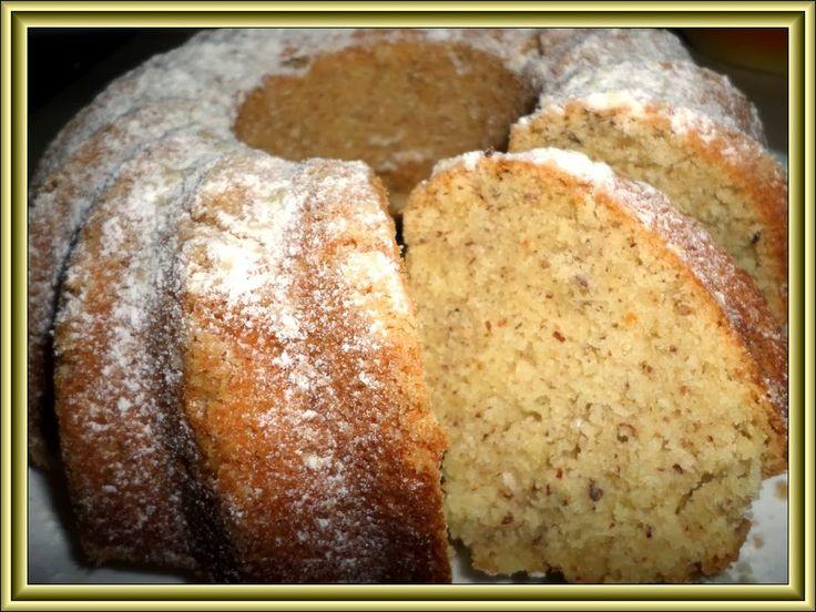 Suroviny: 3 vejce 1 hrnek cukr krupice 1/2 hrnku /rozpuštěného másla/ 2 hrnky polohrubé mouky 1 prášek do pečiva 1 hrnek mletých lou...