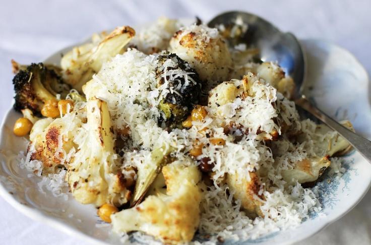 Superrask brokkoliinspo: brokkoli, mais, kikerter og parmesan  (trykk på bildet -> oppskrift)