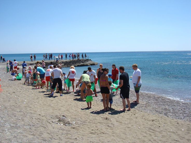 Esperia Group supports the Clean Up The Med Campaign! Today along with our guests we cleaned the beach in front of Esperides! We had fun and raised awareness at the same time!