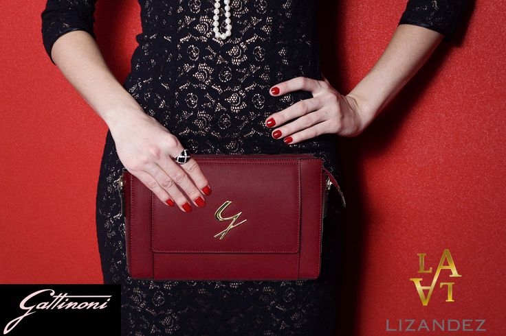 The amazing clutch perfectly sized perfectly styled