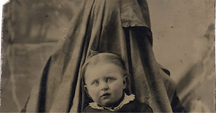 Victorian parents hiding in pictures to keep their babies still long enough for a portrait [20 pics]