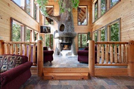 Laken's Treehouse- 3 Bedroom, 3.5 Bathroom Cabin Rental in Gatlinburg, Tennessee.