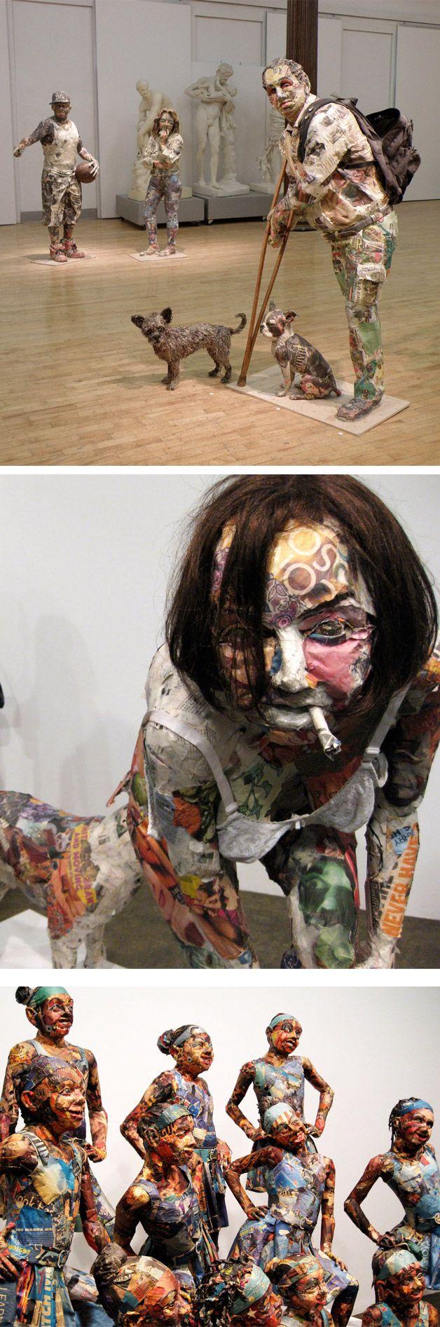 Will Kurtz. Esculturas em tamanho real construídas com restos de jornal, papel, madeira, arame, fitas, etc.