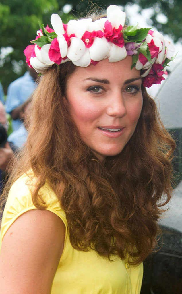 <p>No fair, even her vacation hair is lovely! <strong>Prince William</strong>'s wife let her natural waves loose while in the South Pacific.</p><p></p>