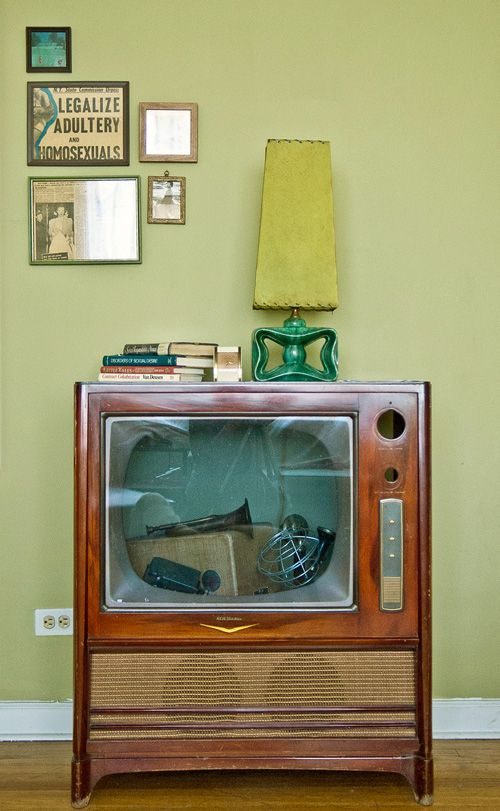Old television set: Interior, Vintage, Tv Cabinets, Old Tv, Tv Stand, Space, Place