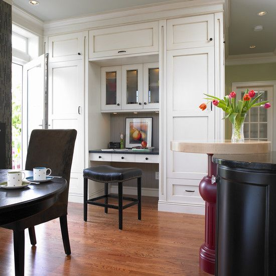 Classic kitchen built in desk kimberly g pinterest for Built in desk in kitchen ideas