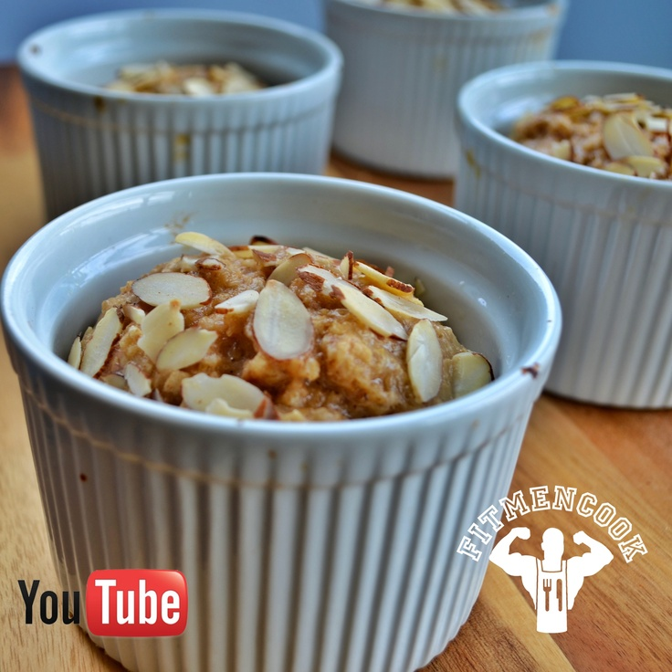 Banana Apple Baked Oatmeal! Video on YouTube.com/FitMenCook! (traduccion abajo)  Remember, baked oatmeal is more like a bread, less like oatmeal!  Ingredients for 4 servings: 4 scoops @Dymatize ISO 100 protein, 4 egg whites, 2 cups instant oatmeal, 1/2 cup Greek yogurt, cinnamon, 1tsp baking powder, 4 packets Stevia, 1 medium apple (grated), 1 medium banana.  Approx macros PER serving: 341 calories, 36g protein, 41g carbs, 3g fat  [VIDEO] #Desayuno - Avena al horno de banana y manzana! Video…