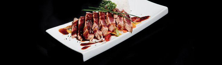 Comida japonesa en JAPONICE ALICANTE @japonicespain #JaponiceAlc #alicante #japones #cool #minimalista #food #foodies #japan #japanfood #restó #restaurant #alifornia #eat #tuna #atún #sashimi #sushi #sushiman #spain #españa #restaurante #restaurantejapones #tendencia #trendy #ontop #must #mustgo #menu #fotografía #photo #comida #platos #plato #dish #plate #delivery #reparto #domicilio #order #online #rolls #maki #japo #comida #comer #enAlicante