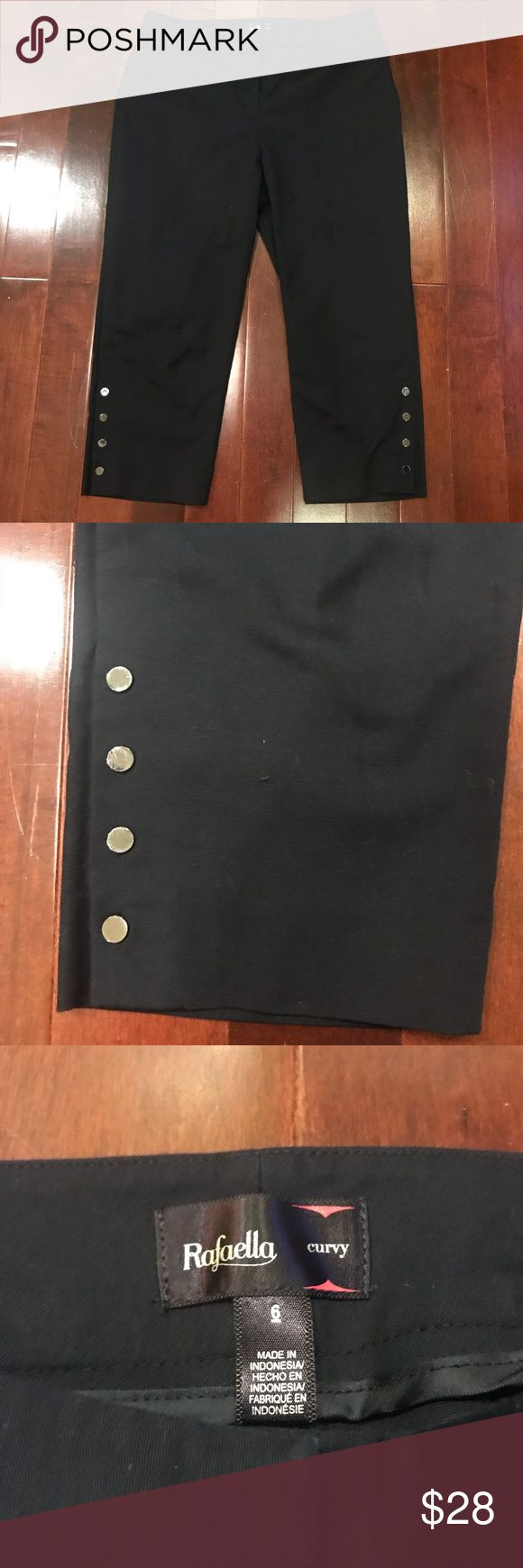 Women's Rafaella Curvy Capri Crop Black Pants Good condition!  Some minor wear and fading.  Curvy fit.  Cotton, polyester, spandex.  Inseam is 20 inches, waist is 15.5 inches, hips are 18.5 inches.  Size 6. Rafaella Pants Ankle & Cropped