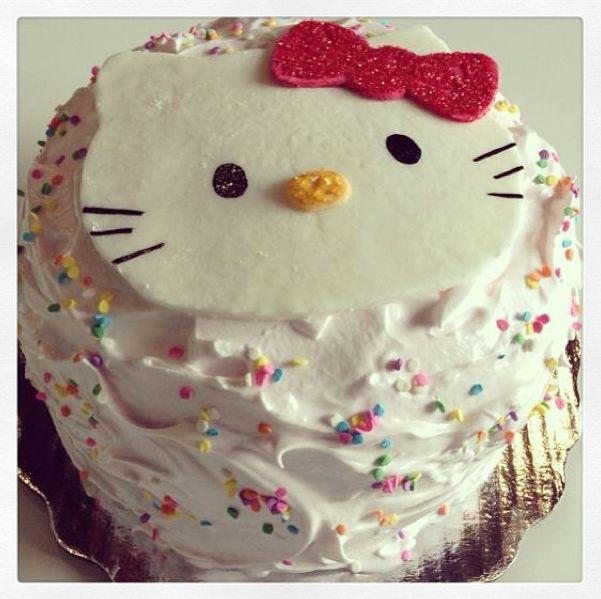 #Pastel de #HelloKitty  ♥ ♥ #cake