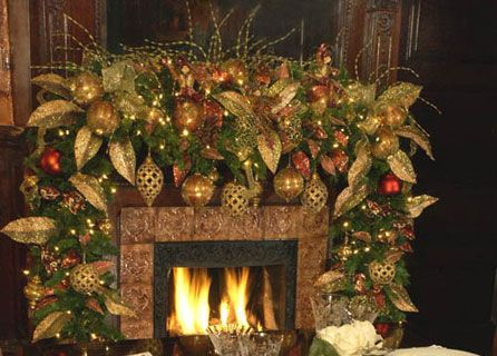 Christmas Interior Dcor And Decorating For An Elegant Mantle At Savannah Georgia Ballastone Inn Mansion