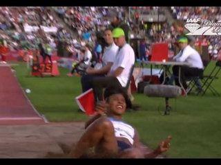 Zap Web : Une athlète se ridiculise en perdant sa perruque pendant son saut en longueur (vidéo)