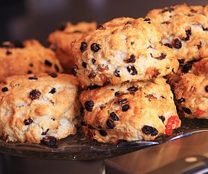 Oven Baked Fruit Scones Recipe                                                                                                                                                                                 Más