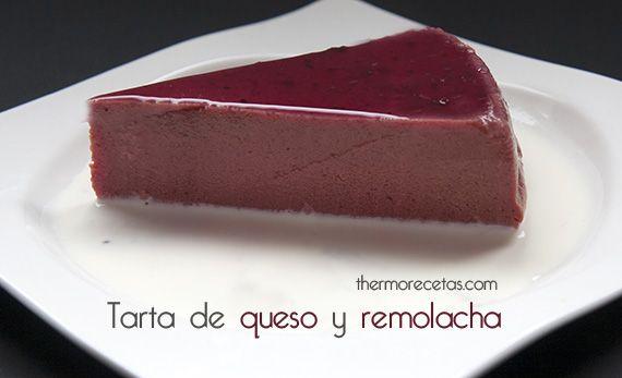 Tarta de queso, a la que se añade un ingrediente muy especial: la remolacha, que le presta su precioso color púrpura y su peculiar sabor, además de un gran número de beneficiosas propiedades para nuestro organismo.