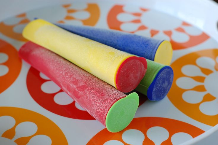 Cool summer treat makeover - I need these to make my own popcicles instead of buying those nasty, sugary popcicles.