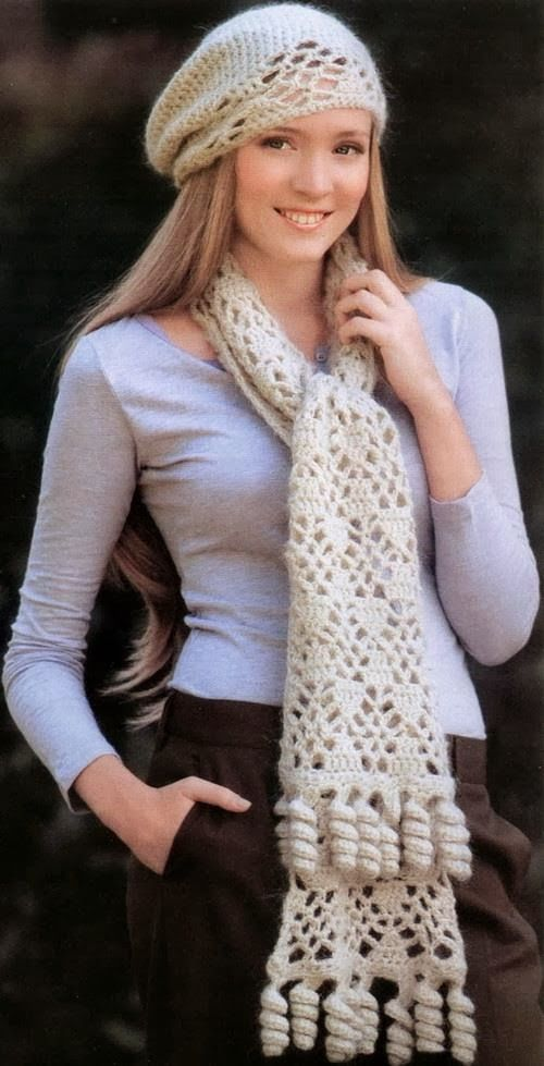 Stylish And Easy Scarves   Three nearly similar stitches   (1)      Pattern …         (2)       Pattern …         (3)      Pattern …