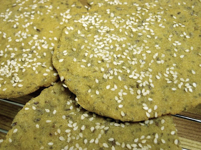Quinoa Flatbread with Flax and Chia | Grain-free Goodies | Pinterest