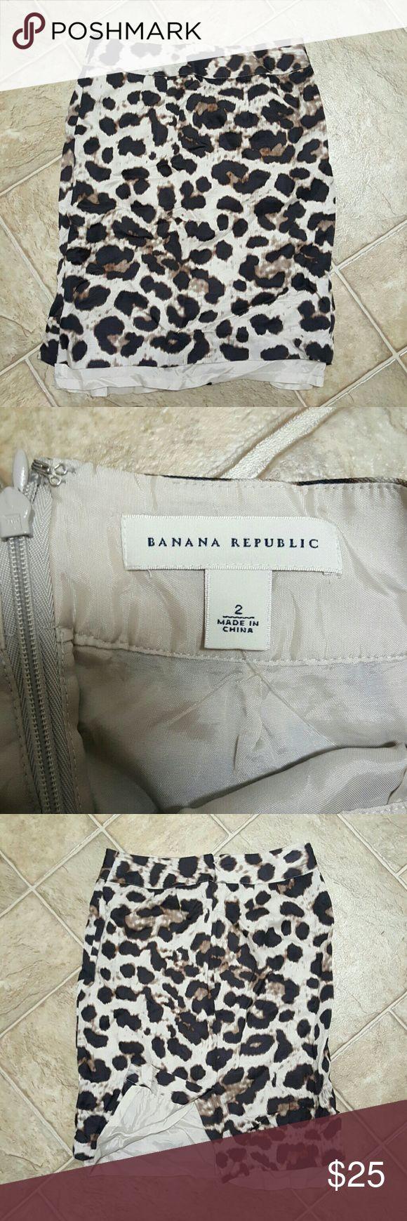 Banana Republic Skirt Leopard print. Zipper and slit on back. Banana Republic Skirts
