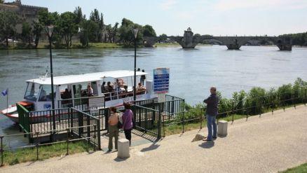 Navette fluviale - Traversée du Rhône - Site Officiel de L'Office de Tourisme de la ville d'Avignon