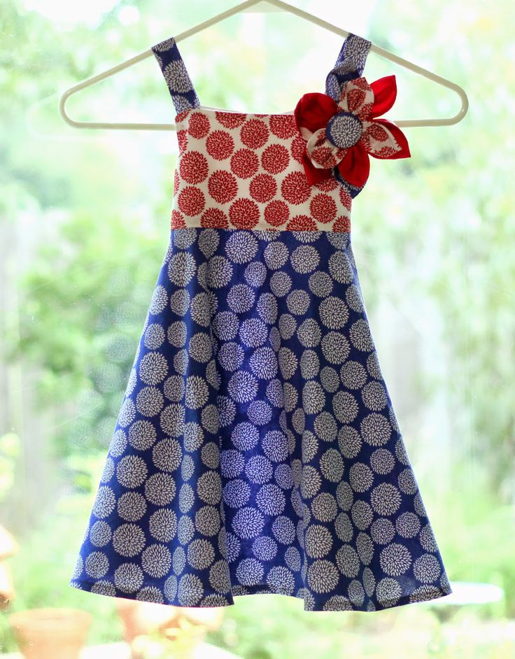 Peaches and Bees: Patriotic Twirly Dress for Little Momo