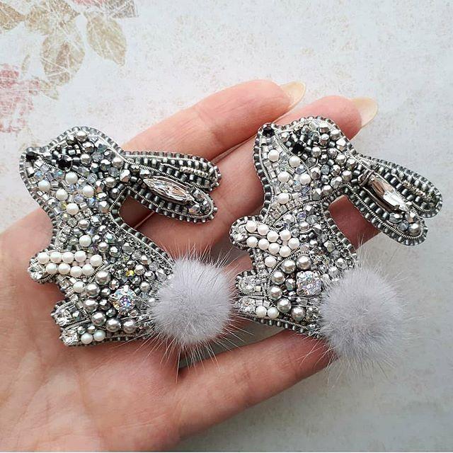 Автор @gaya_av 〰〰〰〰〰〰〰〰〰〰〰〰〰〰 По всем вопросам обращайтесь к авторам изделий!!! #ручнаяработа #брошьизбисера #брошьручнойработы #вышивкабисером #мастер #бисер #handmade_prostor #handmadejewelry #brooch #beads #crystal #embroidery #swarovskicrystals #swarovski #купитьброшь #украшенияручнойработы #handmade #handemroidery #брошь #кольеручнойработы #кольеизбисера #браслеты #браслетручнойработы #сутажныеукрашения #сутаж #шибори #полимернаяглина #украшенияизполимернойглины