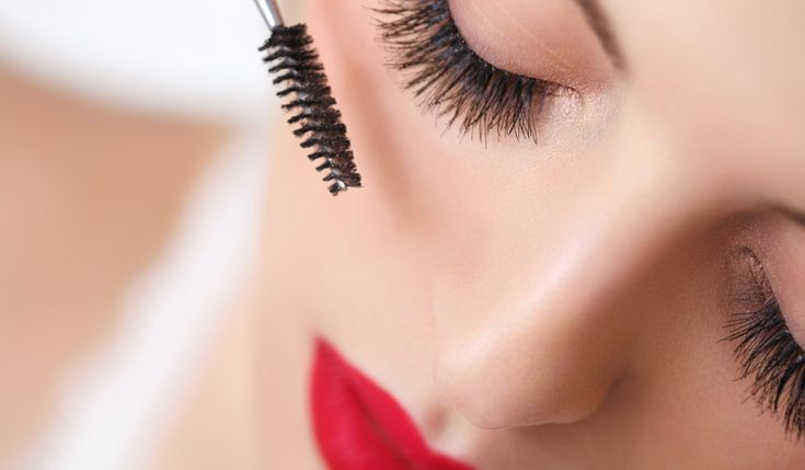 Tubing Mascara: What It Is And The Brands To Use