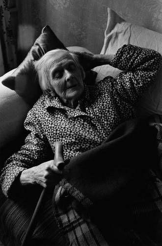 ©Борис Смелов. «Бабушка. 1970-е» Посмотреть покрупнее!