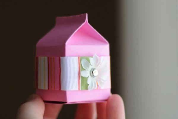 Mini caixinha de leite para embalagem de presente.
