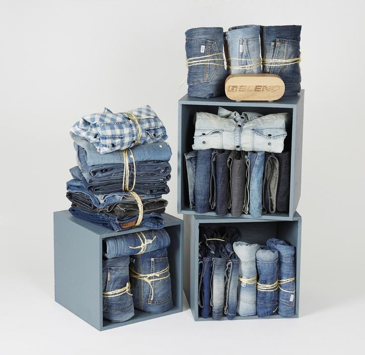 Ideia de exposição para jeanswear! Styled by Tine Lauridsen