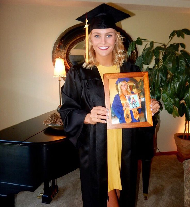 1st day of kindergarten in a frame on last day of high school in a frame on college graduation day! Fun photo idea!