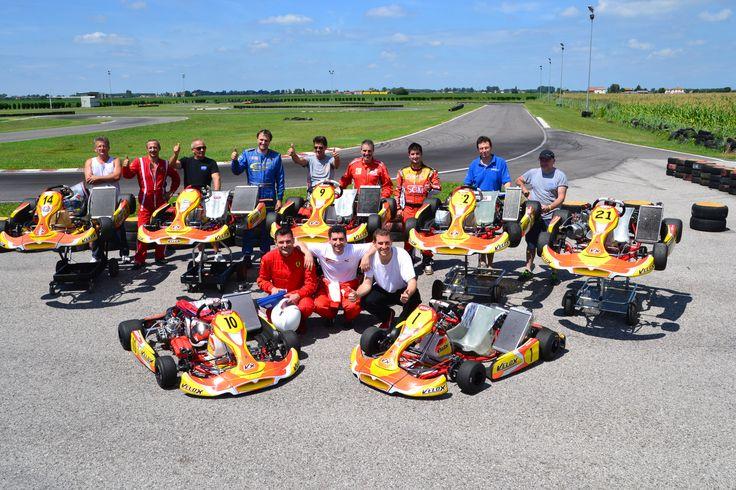 Foto di gruppo Migliaro 1 agosto 2014 - Noleggio a privati di go-kart 125cc KZ e KF