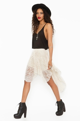 Lace Tail Skirt in Cream