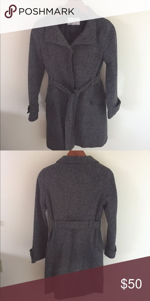 Tweed Old Navy Pea Coat Tweed Old Navy Pea Coat perfect for looking dressy while keeping warm! Old Navy Jackets & Coats Pea Coats