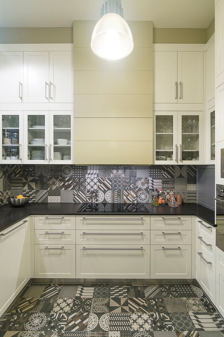 Patricia Urquiola Azulej tiles from Mutina on the floors and backsplash.