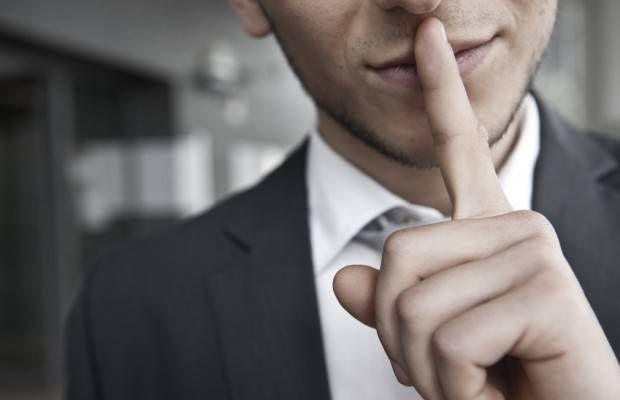 Voici comment démasquer un manipulateur ? Conjoint, amis, collègues, enfants ou parents... Les manipulateurs se cachent sous les traits de Monsieur Tout