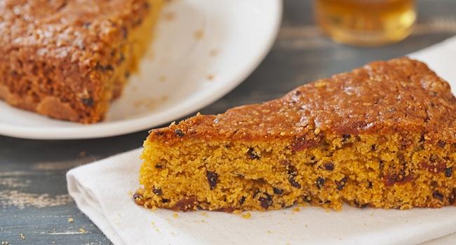 Vegan carrot & chocolate cake