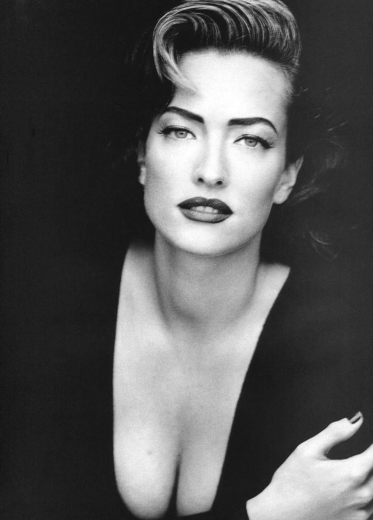 Tatjana Patitz, Vogue UK Sep 1991 by Peter Lindbergh