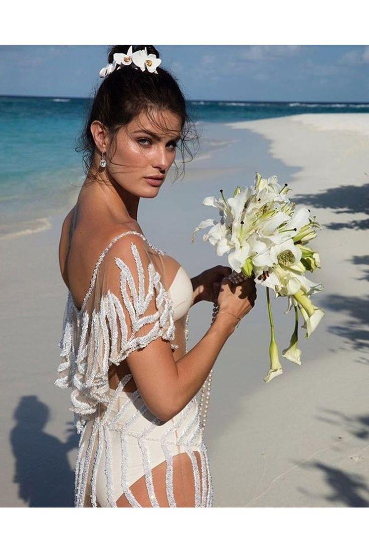 Isabeli Fontana wedding album: Maldives wedding, beach wedding