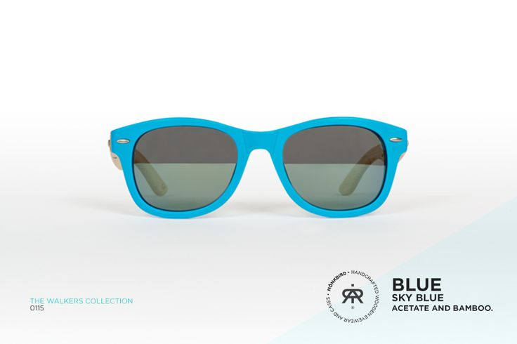 BLUE WAYFARER UNISEX SUNGLASSES / SKY BLUE FADED LENS  $1,099 MX