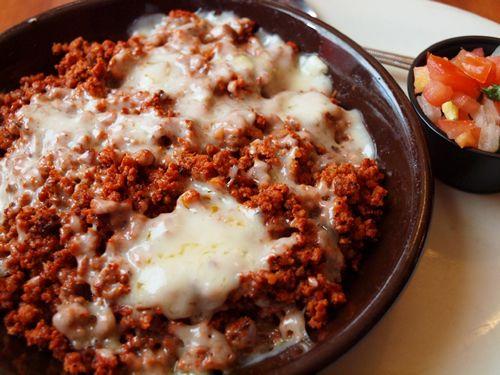 Queso fundido con chorizo (Cheese) - Mexican Food (Comida Mexicana)