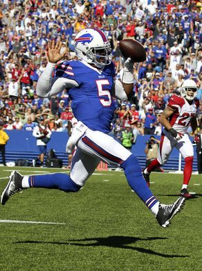 Buffalo Bills quarterback Tyrod Taylor (5) runs for