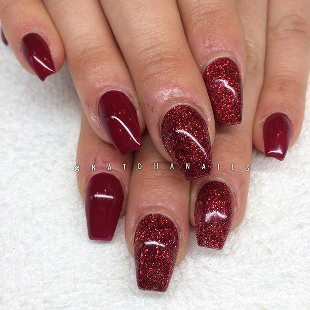 """Förlängning på väldigt korta naglar. Även korta naglar bör få lite kärlek <span class=""""emoji emoji1f60d""""></span> Raspberry Red & rött ..."""